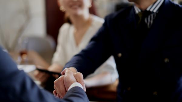 顧問社労士とは? 役割、費用、探し方の具体的ポイントをHRbase PROが徹底解説