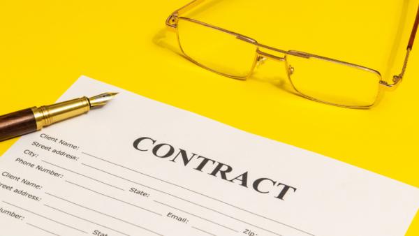 定年後の嘱託社員の無期雇用転換、企業は申出を断れるのか|特例の届出のすすめ