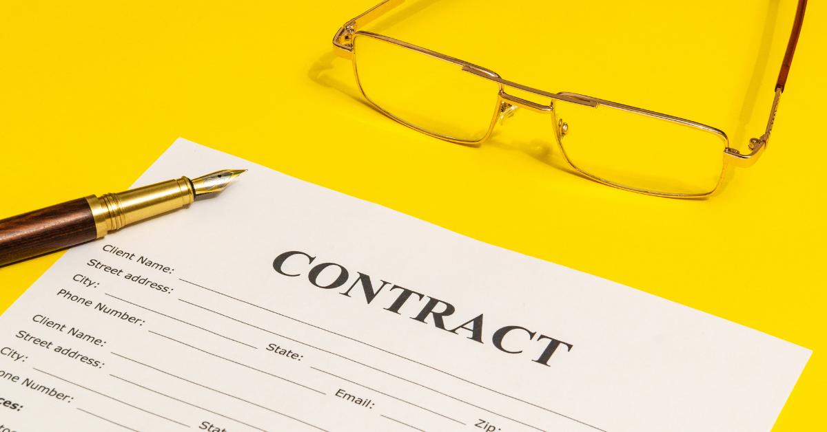 定年後の嘱託社員の無期雇用転換、企業は申出を断れるのか 特例の届出のすすめ